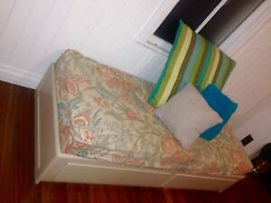 Versatile day bed / lounge New Farm Brisbane North East Preview