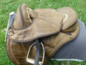 TREELESS SADDLE BAREFOOT CHEYENNE -COMPLETE