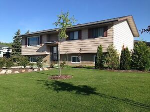 Fort Saskatchewan Fully Furnished & Equipped - 2 suites in it
