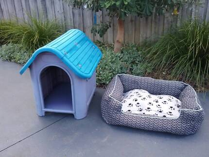 DOG KENNEL AND DOG BED