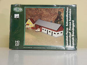 Model Train Set Swedish Farm  HO Scale