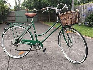 As new Reid ladies vintage retro classic plus green bicycle /bike Petersham Marrickville Area Preview