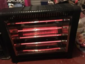 ELECTRIC 4 BAR HEATER, 2 SETTINGS, LIKE NEW Hebersham Blacktown Area Preview