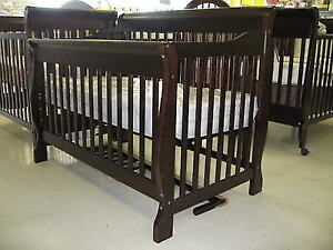 4 in 1 Convertible Crib and Solid Wood Dresser/Change Table