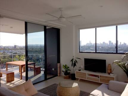Ensuite with amazing city view!