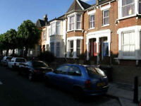 Recently renovated three double bedroom split level apartment in the heart of Stoke Newington N16