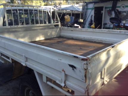 STEEL / WOODEN FLOOR TRAY OFF 90 TOYOTA HILUX SINGLE CAB LN106R