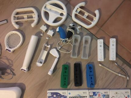 Wii pack + 9 games AND accessories!