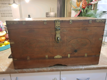 VICTORIAN ANGLO INDIAN / BURMESE COLONIAL TEAK & BRASS BOX
