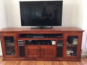 Mid Height Entertainment Unit, *Samsung Tv & Electrical Not Included Port Lincoln Port Lincoln Area Preview