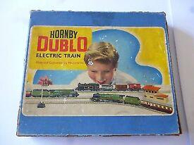 HORNBY DUBLO (Three Rail) Electric Train Set - EDG 17-0-6-2 _ Tank Goods Train BR