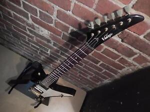 Guitare électrique 6 cordes VINTAGE / Model VXP6BK (i017511)