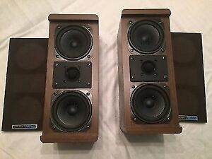 Koss Bookshelf speakers M-80's