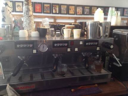 Cafe-Mon-Fri. 7am-2 pm = $2,600+ p wk profits-Teneriffe -Brisbane