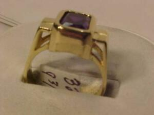 #3206-10K YELLOW GOLD OLDER RING SIZE 9 3/4- 7.34 GRAMS-SHIP(FREE) CANADA ONLY WITH EBANK TRANSFER ONLY-