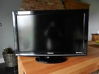 """Panasonic 32"""" Widescreen HD Ready LCD TV- with Inbuilt Freeview"""