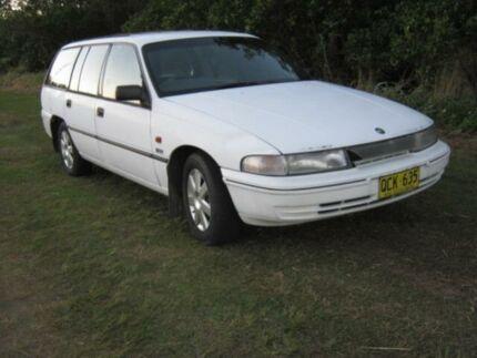 1992 Holden Commodore VP Exectutive 11 White Wagon