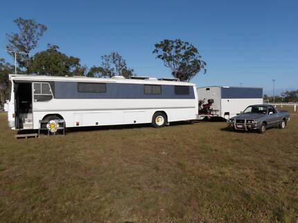 1977 BEDFORD MOTORHOME AND ENCLOSED CAR TRAILER