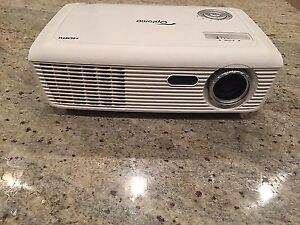 Projecteur Optoma HD66 DLP 2500 Lumens 1080p 3D-Ready