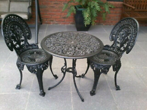 Beautiful Restored Cast Iron Outdoor Garden Setting
