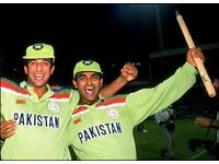 Size large or medium have 2 PAKISTAN 1992 ORIGINAL WORLD CUP TOP ( where legends where made )