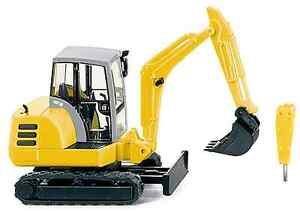 HO 1:87 scale Wiking Tracked Mini Excavator with Accessories # 65804 Model
