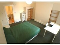 Ensuite Double Room   Students Age 21+ only
