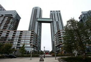 Luxury 2Bed 2Bath Condo Amazing location at Front and Spadina