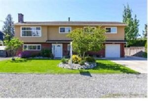 6 Bdrm / 3 Bath / 2 Kitchen Home in Ladner