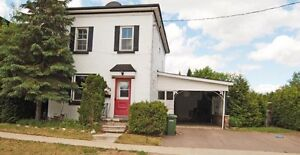 """'NEW PRICE"""" ON THIS AFFORDABLE STARTER HOME ID# 984205"""