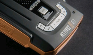 Beltronic G7 Radar detector w/GP with mirror moiny and hardwire.