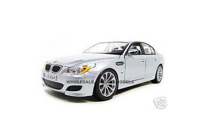 BMW M5 SILVER 1:18 DIECAST MODEL CAR BY MAISTO 31144