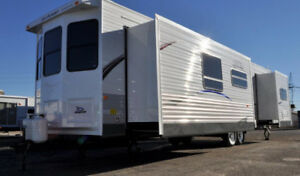 Jayco 40 ft Bungalow
