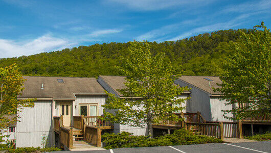 Eagle Trace At Massanutten - 2 Bedroom Annual Float Week 1-52 - $0.01