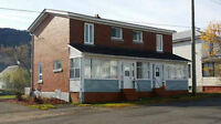 Duplex for sale / à vendre Campbellton