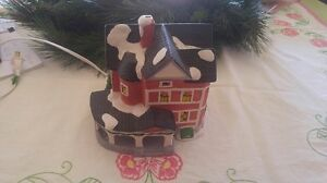 Vintage Dickensville Collectible Porcelain House