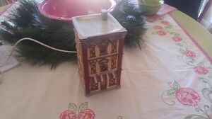 Vintage Dickensville Collectible Porcelain Hotel