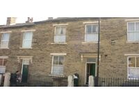 ***4 BEDROOM THROUGH TERRACE HOUSE BD8*** 12 HANOVER SQUARE