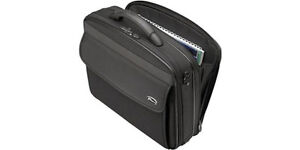 Sac attaché-case TARGUS en nylon pour ordinateur portable - NEUF West Island Greater Montréal image 1