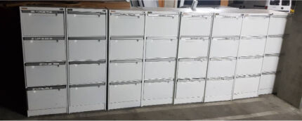 4 Drawers Filing Cabinet ( can delivery)