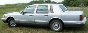Estate Sale 1994 Lincoln Towncar 4 days only