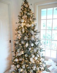 7.5 FOOT CHRISTMAS TREE W/WHITE LIGHTS, MULTI & CHANGING COLOUR