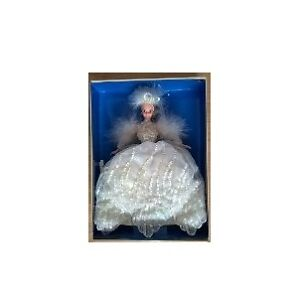 1994 SNOW PRINCESS Winter Enchanted Seasons Collection Barbie Do