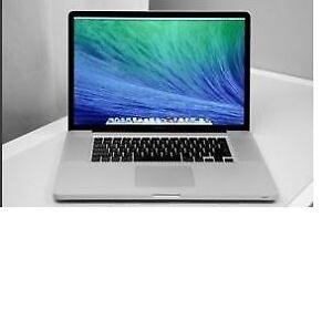 MacBook Pro/2.4GHZ/4 GB RAM/Late 2008/ 500 GB HDD/15 pouces