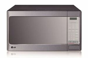 LG 1.1 cu.ft. Countertop Microwave Oven with Moisture Keeper