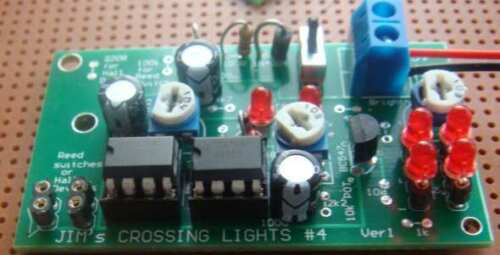 Crossing Lights - Automatic with train detectors