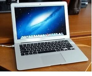 "Apple MacBook Air / Core i5 / 13"" / Early 2015/ 4 GB RAM"