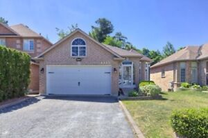 Luxurious 2 Bdrm Bsmt in Pickering