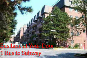 Mississauga 4+2 Bedrooms!  On Dundas Bus Line - Near UofT