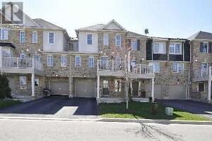 Nice 3 bedrooms townhouse for rent in Milton